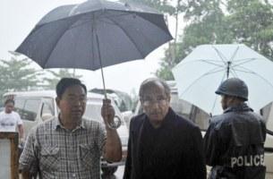 ၂၀၁၂ ခုနှစ် ဇွန်လ ၁၄ ရက်က ကုလသမဂ္ဂ အတွင်းရေးမှူးချုပ်၏ မြန်မာနိုင်ငံဆိုင်ရာ အထူးအကြံပေး မစ္စတာ Vijay Nambia စစ်တွေလေဆိပ်သို့ ရောက်ရှိလာစဉ်။