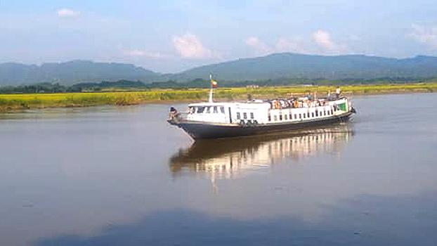 စစ်တွေကနေ ဘူးသီးတောင်မြို့ကို ထွက်ခွာလာတဲ့ ရွှေနဒီအမြန်ရေယာဉ်ကို ၂ဝ၁၉ အောက်တိုဘာ ၂၆ ရက်နေ့က ရသေ့တောင်မြို့နယ် ရေမျက်ကျေးရွာအနီးမှာ တွေ့ရစဉ်