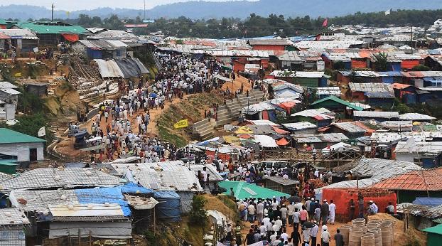 ဘင်္ဂလားဒေ့ရှ်နိုင်ငံ ကုတုပလောင် ရိုဟင်ဂျာဒုက္ခသည်စခန်း။