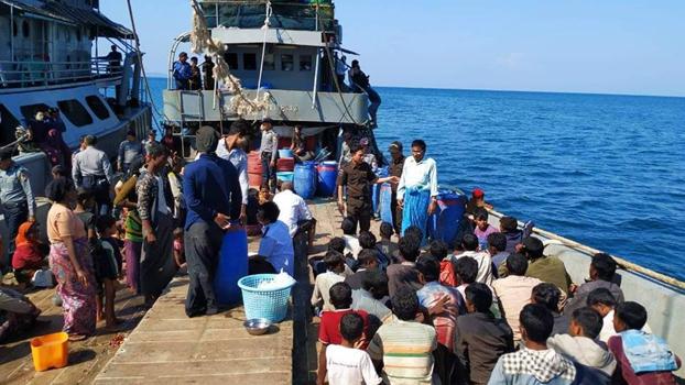 ထားဝယ်ခရိုင် လောင်းလုံဘုတ်ကျွန်းအနီးက ပင်လယ်ပြင်မှာ လှေနဲ့ထွက်ပြေးလာတဲ့ မွတ်စလင်ဒုက္ခသည်တွေကို ဖ၂၀၁၈၊ နိုဝင်ဘာလ ၂၅ ရက်နေ့က ဖမ်းဆီးရမိစဉ်