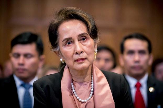 နယ်သာလန်နိုင်ငံ သည်ဟိတ်မြို့ (ICJ) အပြည်ပြည်ဆိုင်ရာတရားရုံးတွင် ၂ဝ၁၉ ဒီဇင်ဘာလ ၁ဝ ရက်နေ့က တွေ့ရသည့် နိုင်ငံတော်အတိုင်ပင်ခံပုဂ္ဂိုလ် ဒေါ်aအောင်ဆန်းစုကြည်။