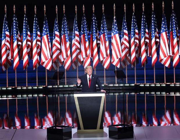 အေမရိကန္ႏုိင္ငံရဲ႕ ၄၅ ေယာက္ေျမာက္ သမၼတအျဖစ္ ေရြးခ်ယ္ခံရတဲ့ Donald Trump ကို ေတြ႕ရစဥ္
