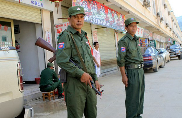 တရုတ်မြန်မာနယ်စပ်မှာ ကိုးကန့်တပ်မတော် MNDAA တပ်ဖွဲ့ဝင်တချို့ကို တွေ့ရစဉ်။