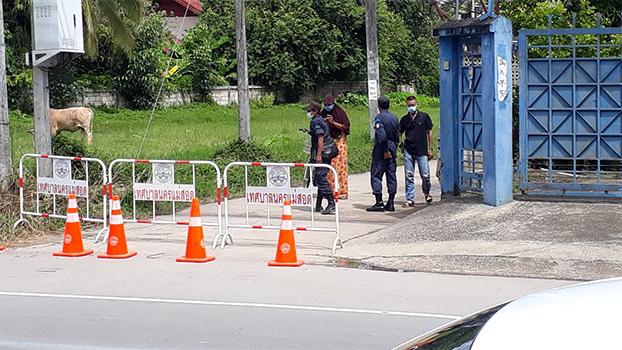 မဲဆောက်မြို့ ထုံထောင်းရပ်ကွက်မှာ အသွားအလာကန့်သတ်ထားတဲ့နေရာကို တွေ့ရစဉ်