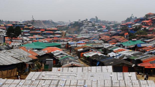 ဘင်္ဂလားဒေ့ရှ်နိုင်ငံ ကော့ဆက်စ် ဘဇားက Balukhali ဒုက္ခသည်စခန်းကို တွေ့ရစဉ်