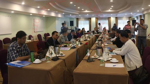 အပစ်ရပ် တိုင်းရင်းသား လက်နက်ကိုင် ၁၀ ဖွဲ့ (NCA-S EAO) ရဲ့ ညှိနှိုင်းဆွေးနွေးရေး ကိုယ်စားလှယ်အဖွဲ့ရဲ့ တွေ့ဆုံဆွေးနွေးပွဲကို ၂ဝ၁၉ စက်တင်ဘာ ၈ ရက်နေ့က ရန်ကုန်မြို့မှာ တွေ့ရစဉ်