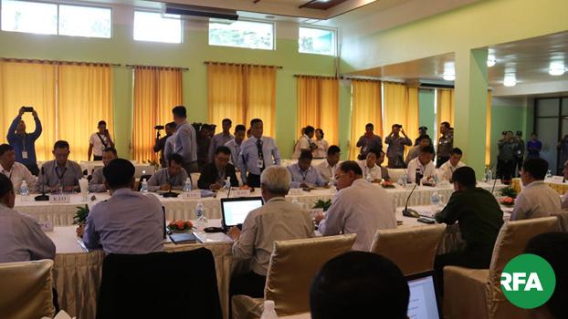 မြောက်ပိုင်းလေးဖွဲ့နဲ့ ငြိမ်းချမ်းရေးကော်မရှင်တို့ ၂ဝ၁၉ သြဂုတ် ၃၁ ရက်နေ့က ရှမ်းပြည်နယ် အရှေ့ပိုင်း ကျိုင်းတုံမြို့မှာ တွေ့ဆုံစဉ်