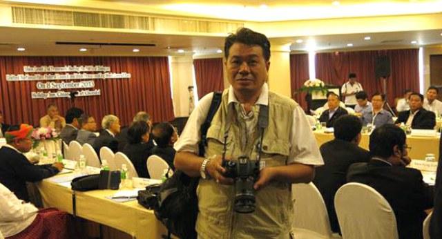 လွတ်လပ်တဲ့အာရှအသံ RFA သတင်းဌာနရဲ့ ထိုင်းနိုင်ငံအခြေစိုက် သတင်းထောက်တစ်ဦးဖြစ်တဲ့ ဦးအောင်မိုးမြင့်ဟာ ၂ဝ၂ဝ ပြည့်နှစ် မေလ ၁၆ ရက်နေ့က ချင်းမိုင်မြို့ဆေးရုံကြီးမှာ ကင်ဆာရောဂါနဲ့ ကွယ်လွန်သွားပါတယ်။