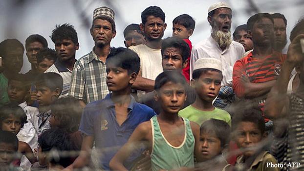 မြန်မာနဲ့ ဘင်္ဂလားဒေ့ရှ် နယ်စပ်မှာ မွတ်စလင် ဒုက္ခသည်တချို့ကို ၂ဝ၁၈ ခုနှစ် ဧပြီလ ၂၅ ရက်နေ့က တွေ့ရစဉ်