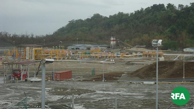 ရခိုင်ပြည်နယ် ကျောက်ဖြူမြို့မှာ တရုတ်ရင်းနှီးမြှပ်နှံမှု ကုမ္ပဏီတခုဖြစ်တဲ့ CNPC ရဲ့ အကောင်အထည်ဖော်နေတဲ့ ရွှေဂတ်စ်စီမံကိန်းကို တွေ့ရစဉ်