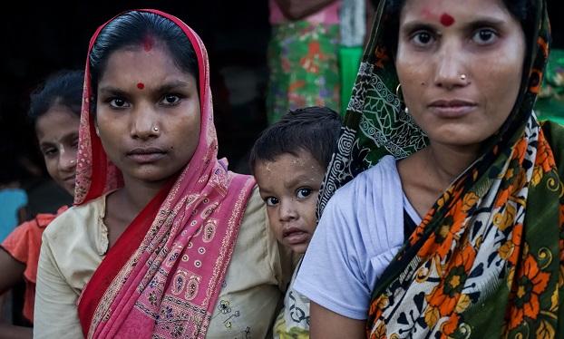 ဘင်္ဂလားဒေ့ရှ်ဒုက္ခသည်စခန်းက ဟိန္ဒူဒုက္ခသည်များ။