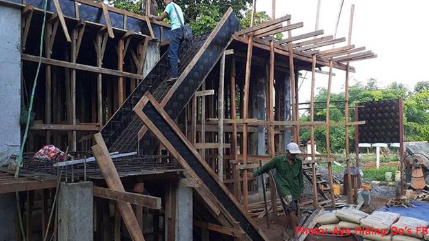 မကွေးတိုင်းဒေသကြီး အစိုးရဘဏ္ဍာငွေနဲ့ တင်ဒါအောင်တဲ့ကုမ္ပဏီက ဆောက်လုပ်နေတဲ့ အဆောက်အဦတစ်လုံးကို တွေ့ရစဉ်