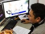 လွတ်လပ်တဲ့ အာရှအသံ (RFA) မှ Video editor တစ်ဦးကို မြင်တွေ့ရစဉ်