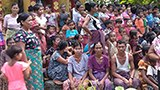 rathedaung-villagers-flee-160.jpg