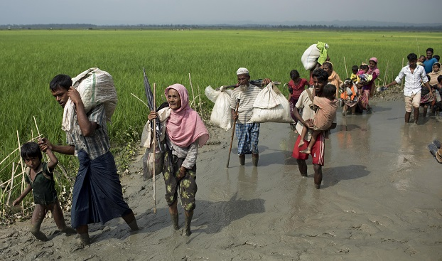 ၂ဝ၁၇ ခုနှစ် စက်တင်ဘာလက ဘင်္ဂလားဒေ့ရှ်နိုင်ငံကို ထွက်ပြေးခဲ့ကြသော ရိုဟင်ဂျာဒုက္ခသည်များ။