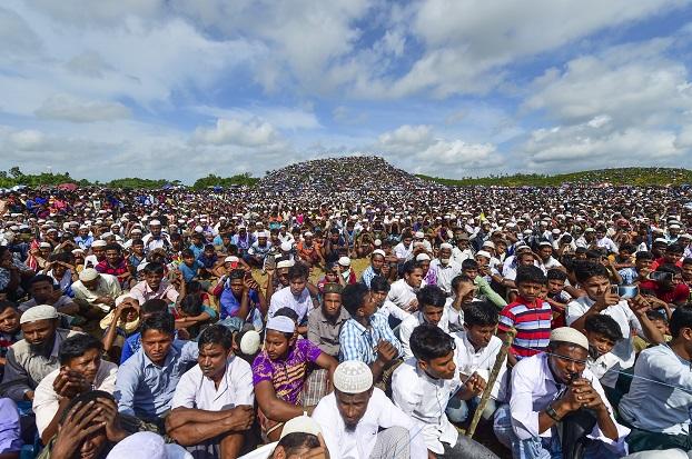 ဘင်္ဂလားဒေ့ရှ်နိုင်ငံရောက် ရိုဟင်ဂျာဒုက္ခသည်များ။