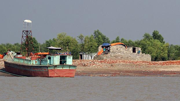 ဘင်္ဂလားဒေ့ရှ်ရောက်  ဒုက္ခသည်တွေကို ပြောင်းရွှေ့နေရာချထားမယ့်  Bhashan Char ကျွန်းကို ၂၀၁၈ ခုနှစ်ကတွေ့ရစဉ်